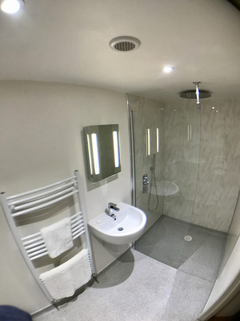 The Old Stables wet room